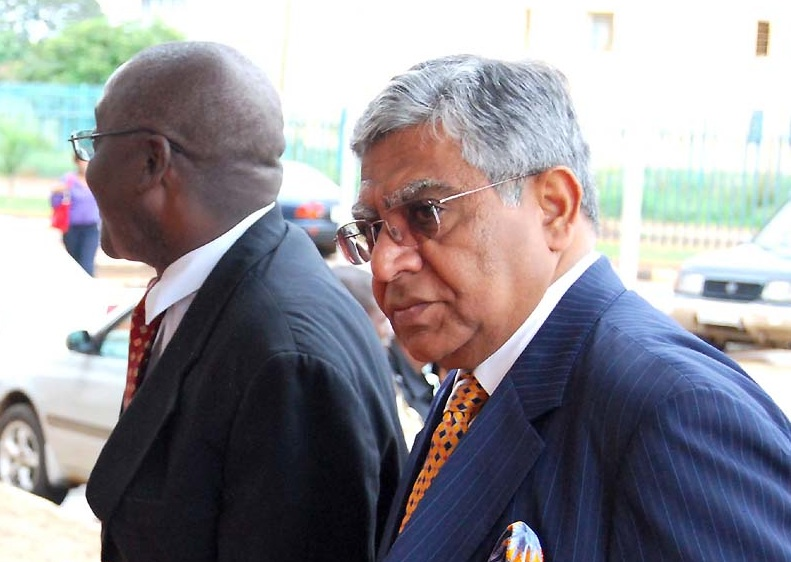 Former Finance Bank chairman Rajan Mahtani arrives at the Lusaka Magistrates  on Dec 6,2010 -Picture by Thomas Nsama